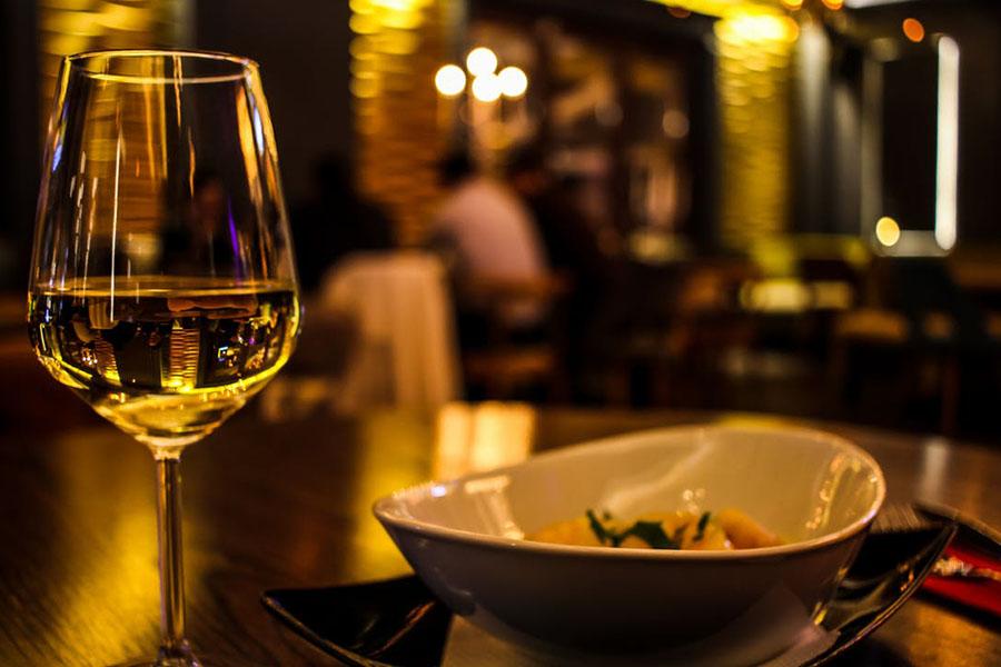 chronique chateau de chasselas bouteille vin saint veran premium