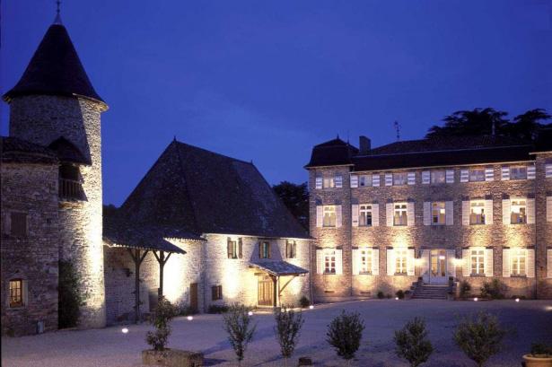 Soirée théatre et dégustation de vin au Château de Chasselas, salle de mariage à Lyon sur lyon-mariage.com
