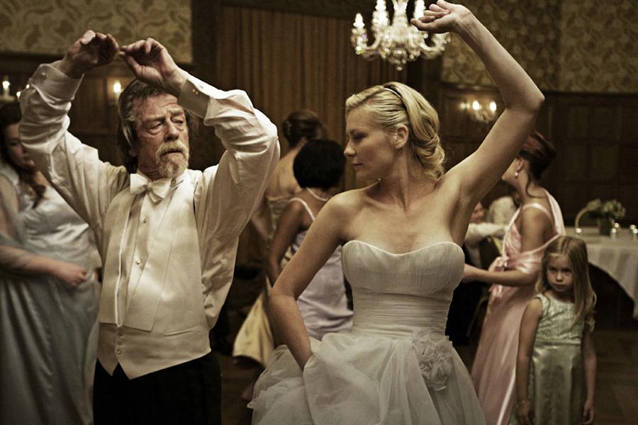 10-chronique-idees-de-films-mariage-regarder-sous-son-plaid-melancholia
