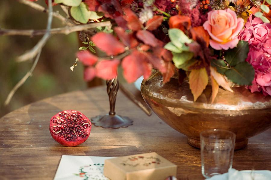 Seance_octobre_2017_emilie_garcin_35 bouqet de fleurs et décoration orange et rouge