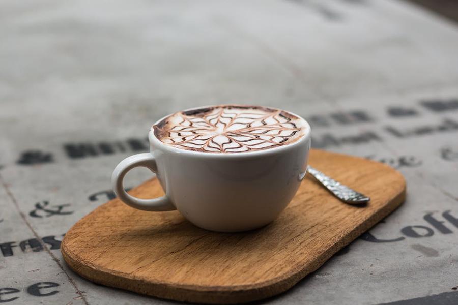 idées boissons trendy de bars pour votre mariage à lyon chronique-generique-latte-art-toile-cacao