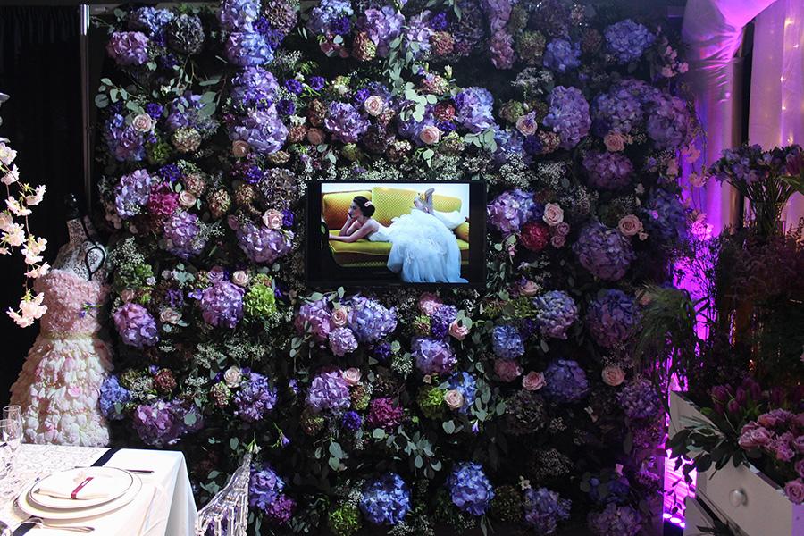 le mur de fleurs mariage l 39 atelier de charlotte lyon. Black Bedroom Furniture Sets. Home Design Ideas