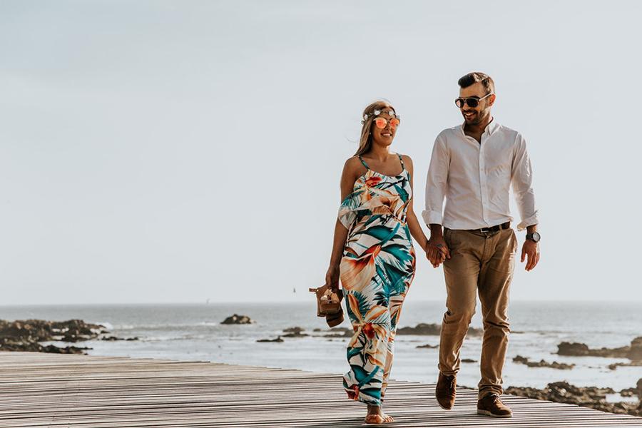 Chronique 8 conseils pour une tenue d'invitée mariage à lyon, robe fleurie à motif plage