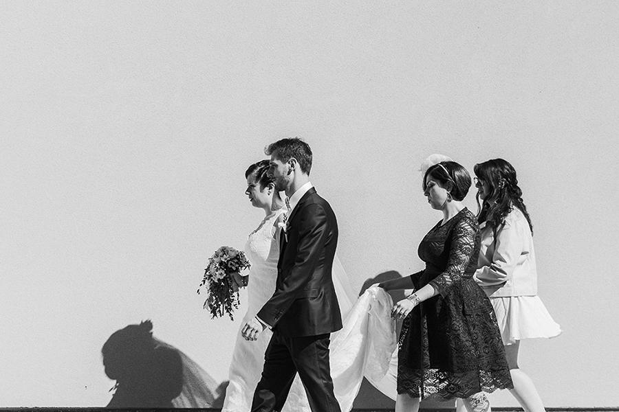 Photographe lyon mariage asb photographe chronique domaine des balcons entrée cérémonie mairie