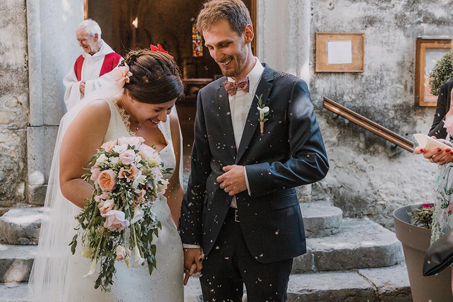 Photographe lyon mariage asb photographe chronique domaine des balcons sortie cérémonie église