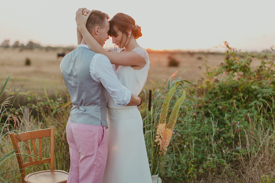 Maquilleuse et coiffeuse beauty art coiffure lyon mariage robe longue chignon bas