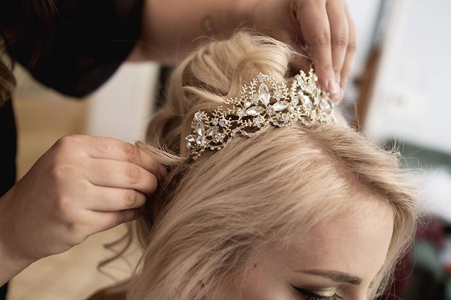 Maquillage coiffure mariage auréa jeanneau lyon mariage diadème de la mariée