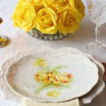 chronique-decoration-table-plan-jaune-blanc-epure-une