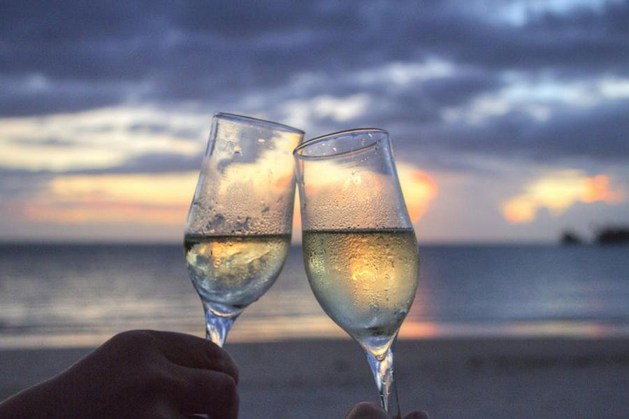 chronique mariage lyon bulles de cremant plage flute