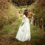 Seance_octobre_2017_emilie_garcin_54-une mariee champ fleurs bouquet mariee lyon mariage