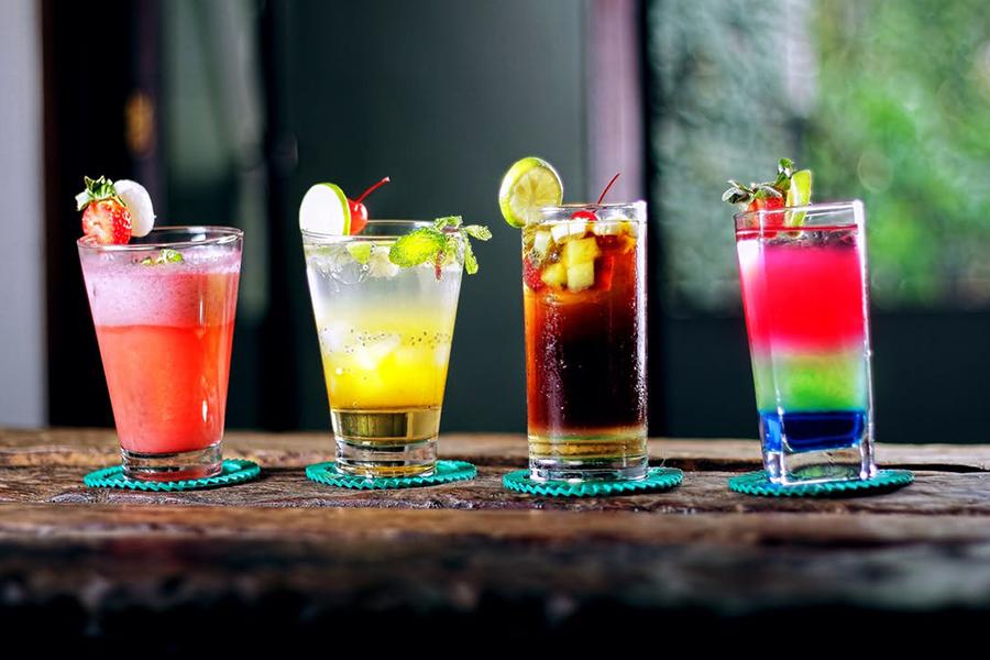 idées boissons trendy de bars pour votre mariage à lyon chronique-generique-cocktails-stand-fruits