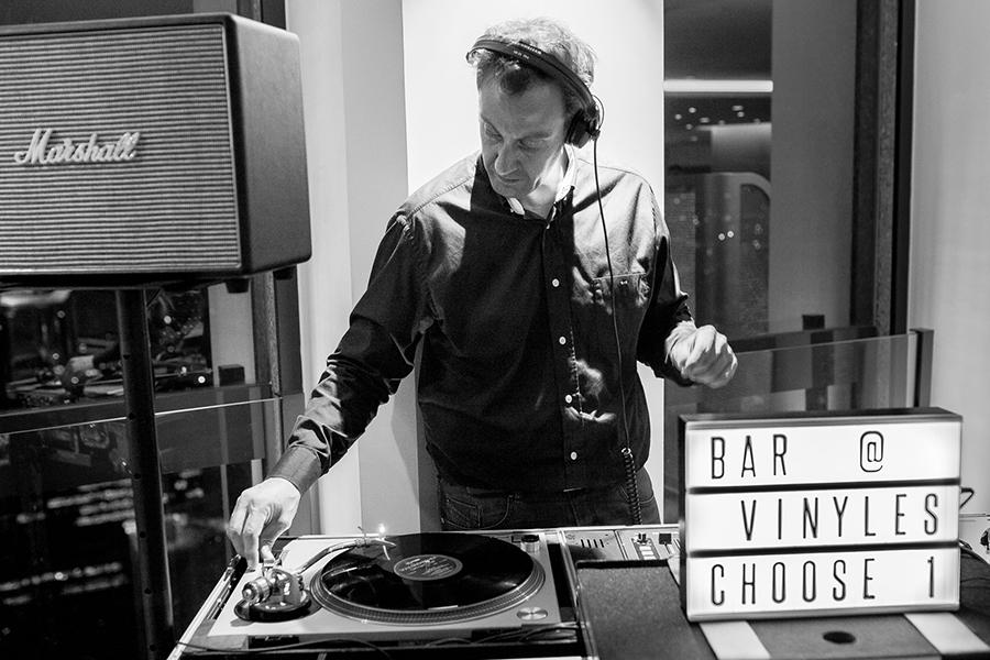 DJ Animation key des artistes bar à vinyles