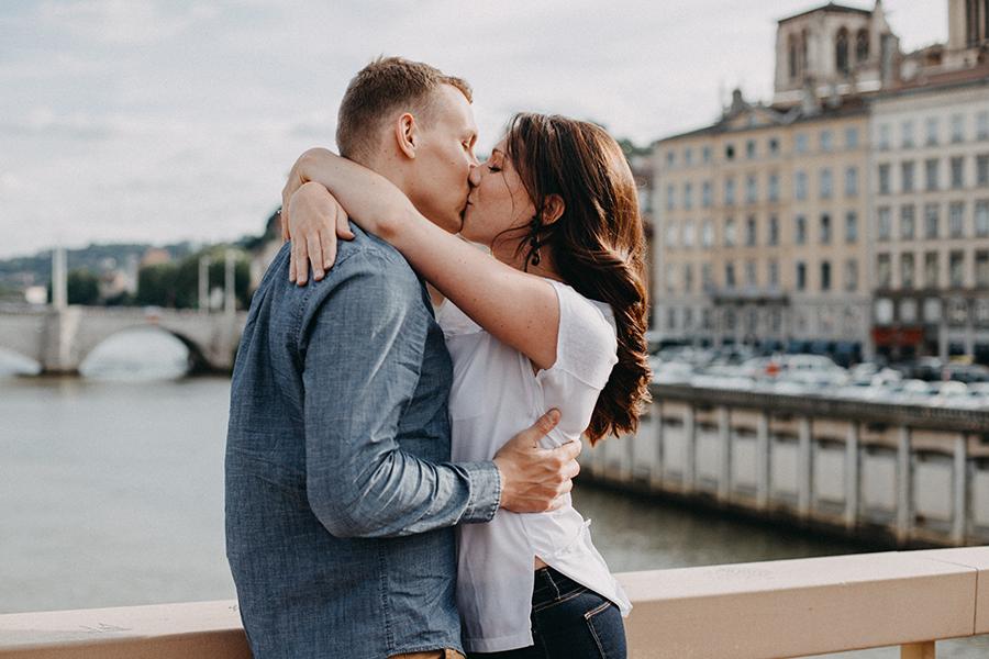Chronique photographe mariage lyon histoires brutes shooting photo : Pont du Palais de Justice - rhône